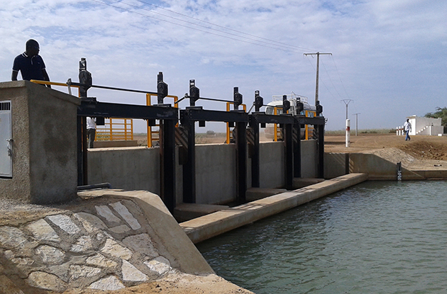 Senegal water irrigation lock